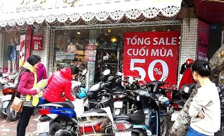 Hà Nội: Chen chân mua hàng giảm giá ngày giáp Tết - 6