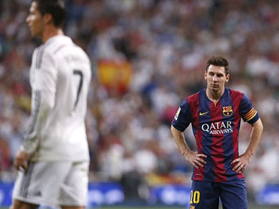 Messi xúi trọng tài đuổi Ronaldo nhưng bất thành
