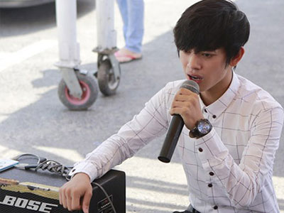 Clip chàng trai kẹo kéo gây chú ý ở vòng loại Vietnam Idol
