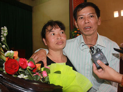 Ông Nguyễn Thanh Chấn xúc động nghe tòa xin lỗi