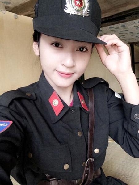 Nữ cảnh sát xinh đẹp đốn tim dân mạng - 3