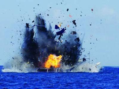 Indonesia lần đầu đánh chìm tàu cá bất hợp pháp của Trung Quốc