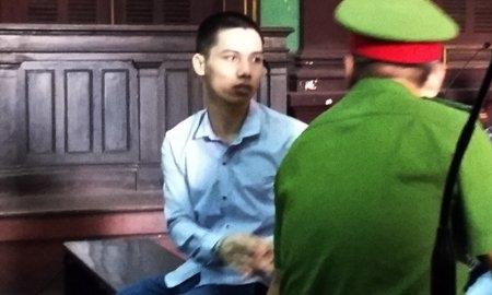 Vụ ngoại tình và bức di ảnh trước phòng xử án