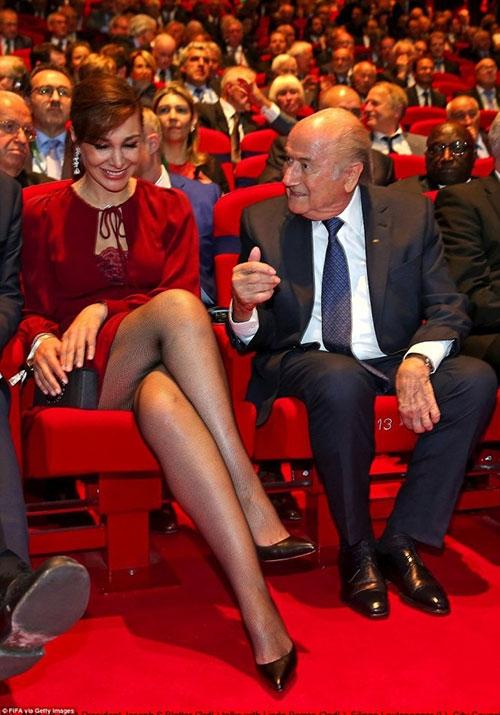 """""""Làm sạch"""" FIFA thế nào khi Blatter từ chức? - 1"""