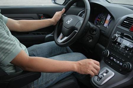 Những điều tuyệt đối không làm khi lái xe