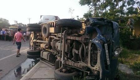 Tai nạn kinh hoàng, 4 người thương vong