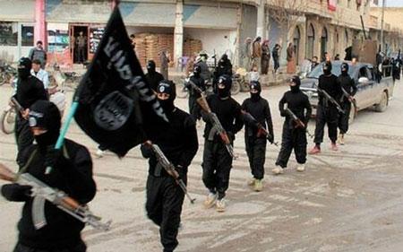 IS bị lộ hang ổ vì chiến binh đăng ảnh selfie