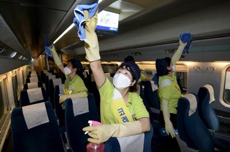 Hàn Quốc trao toàn quyền chống MERS cho chuyên gia