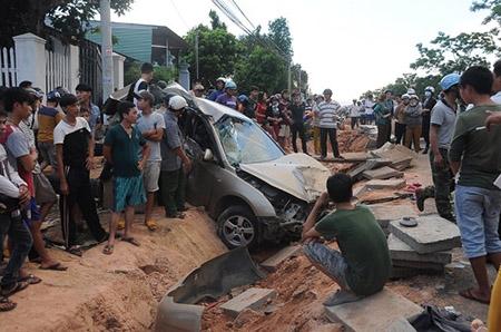 Xe hơi tông hàng loạt, nữ sinh lớp 12 chết thảm - 1