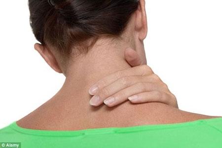 Đau lưng gây suy giảm sức khỏe hơn bất cứ tình trạng nào - 1