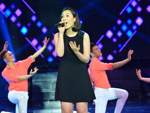 Con gái Đoan Trang ngậm ti giả lên sân khấu - 6