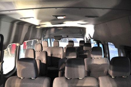 Nissan NV350 Urvan - đối thủ mới của Ford Transit - 1