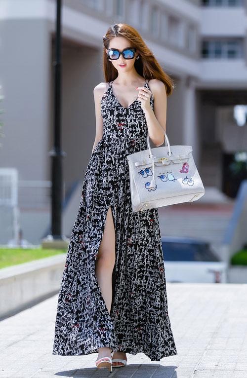 Ngọc Trinh diện váy dây sexy ra phố - 7