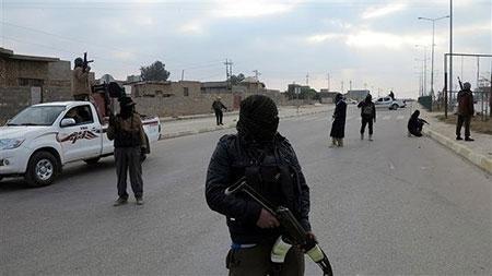 IS bắt cóc 1.200 trẻ em Iraq, gài mìn khắp thành phố cổ