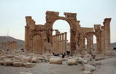 IS bắt cóc 1.200 trẻ em Iraq, gài mìn khắp thành phố cổ - 1