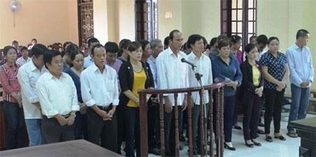 Xét xử đường dây cờ bạc có số bị cáo lớn nhất Quảng Trị