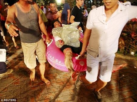 Những hình ảnh sốc về vụ cháy công viên nước khiến hơn 500 người bị thương ở Đài Loan - 3