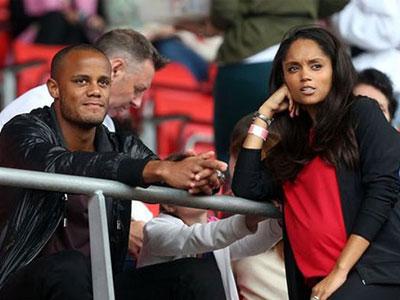 Chăm vợ đẻ, đội trưởng Man City chắc chắn không sang Việt Nam du đấu