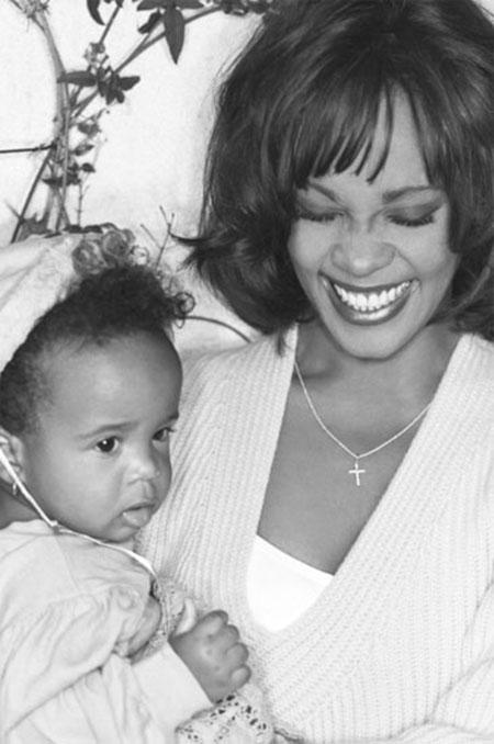 Cuộc đời ngắn ngủi nhiều bi kịch của con gái Whitney Houston - 1