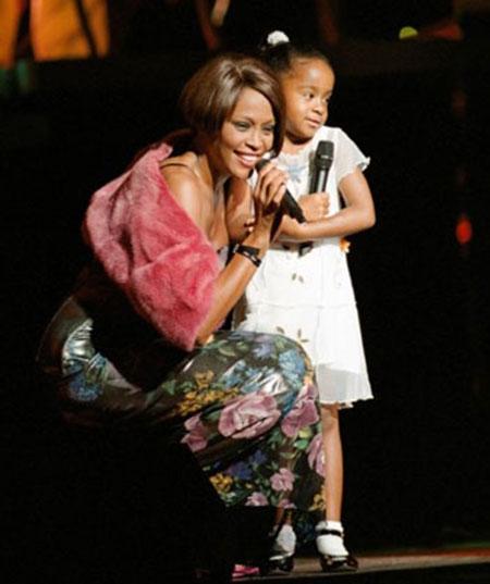 Cuộc đời ngắn ngủi nhiều bi kịch của con gái Whitney Houston - 4