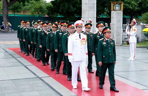 Lãnh đạo Đảng, Nhà nước dâng hương tưởng niệm anh hùng liệt sĩ - 2