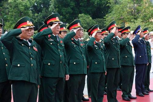 Lãnh đạo Đảng, Nhà nước dâng hương tưởng niệm anh hùng liệt sĩ - 3