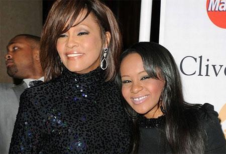 Tiết lộ phút cuối đời của con gái Whitney Houston - 1