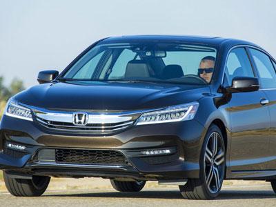 Honda Accord 2016 có giá từ 22.925 USD