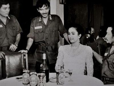 Chuyện ít biết về Thương Tín: Mối tình 11 năm với ca sĩ Hồng Nhung