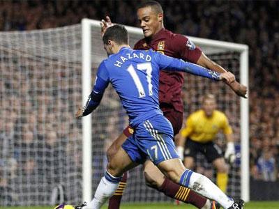 Kompany mong Hazard bị tiêu chảy ở đại chiến Man City - Chelsea