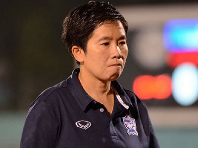 HLV tuyển nữ Thái Lan từ chức sau trận thua Việt Nam