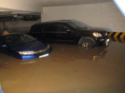 Xe hư do hầm chung cư ngập, ai chịu trách nhiệm?