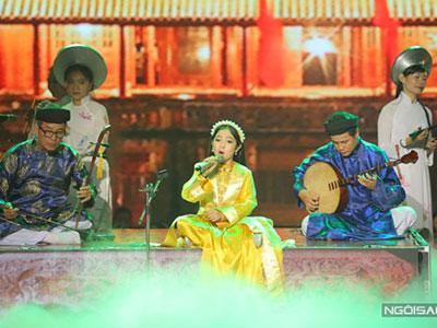 Hồng Minh: