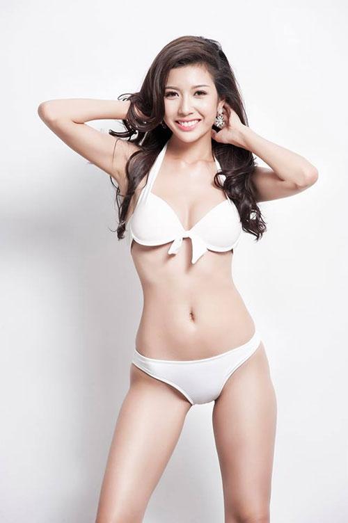 Những khoảnh khắc bikini tuyệt đẹp của Á hậu Thúy Vân - 1