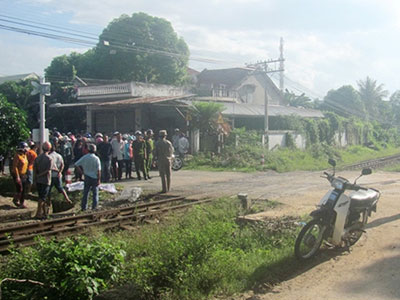 Đi bộ cắt ngang qua đường sắt, cụ bà 81 tuổi bị tàu lửa đâm chết