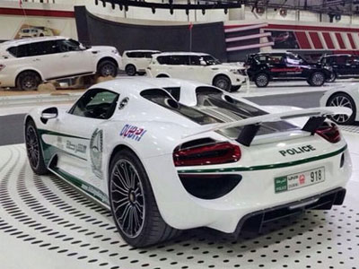 Porsche 918 Spyder - Siêu xe mới của cảnh sát Dubai