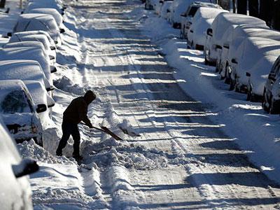 Tuyết nhấn chìm Chicago, hơn 500 chuyến bay bị hủy