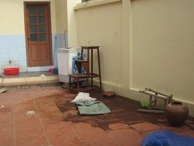 Cảnh sát khám nghiệm hiện trường vụ thảm sát ở Thạch Thất