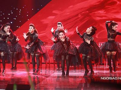 Clip The Remix: Team Hoàng Thuỳ Linh biểu diễn