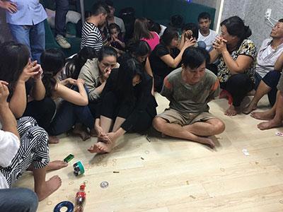 Đột kích sòng bài ở Sài Gòn, tạm giữ 33 người