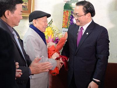 Ngày làm việc đầu tiên của tân Bí thư Thành ủy Hà Nội và TPHCM