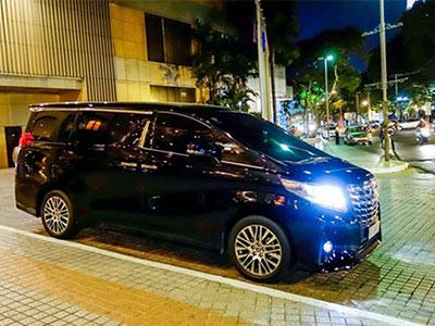 Toyota Alphard biển đẹp giá 3,7 tỷ đồng ở Sài Gòn