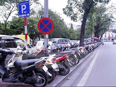 Hà Nội: Các điểm trông giữ xe tiếp tục tăng giá tùy tiện, bát nháo