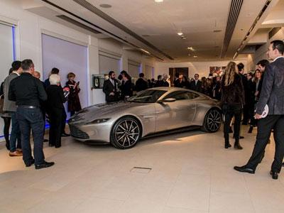 Aston Martin DB10 của James Bond đấu giá 3,5 triệu USD