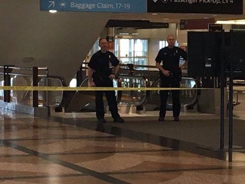 Mỹ sơ tán sân bay vì đe dọa khủng bố