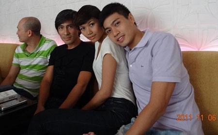 Chồng Trang Lạ có hai con riêng đẹp như tài tử