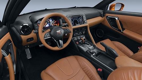 10 điều cần biết về siêu xe Nissan GT-R mới - 3