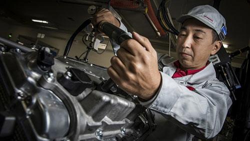 10 điều cần biết về siêu xe Nissan GT-R mới - 4