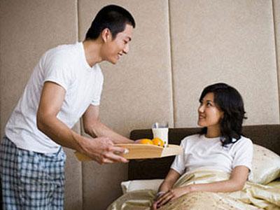 Chết cười chuyện chồng đi chăm vợ đẻ