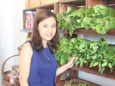 Cô gái bỏ lương 50 triệu/ tháng, về quê trồng rau sạch